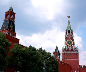 Кремль опроверг слухи об обстрелах израильских самолетов истребителями РФ