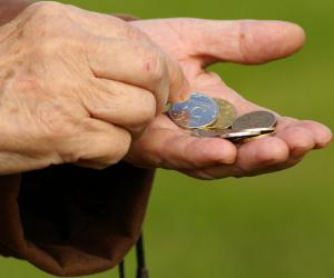 Топилин заявил об отсутствии в России бедных пенсионеров