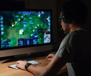 Геймеры обсуждают в интернете историю с кражей персонажа онлайн-игры за 1,5 млн долларов