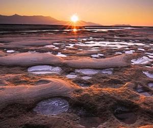 Ученые раскрыли секрет происхождения огромных резервуаров воды на Марсе