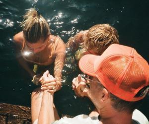Джастин Бибер показал, как они с женой Хейли проходили обряд крещения