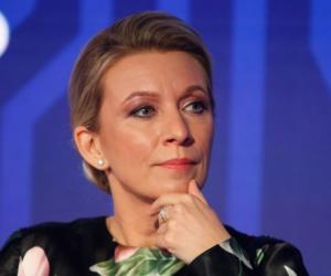 Захарова указала на два фактора «безумия»западных СМИ