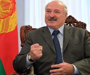 Лукашенко пригрозил Украине стать ее президентом